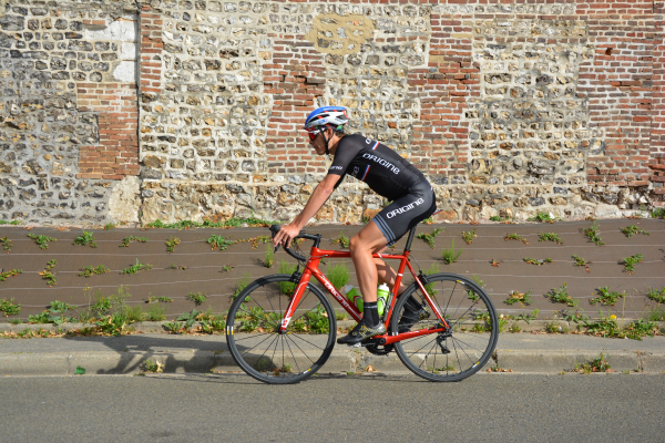 Le tour de Normandie en ultra-distance au guidon d'un Axxome RS (Interview de Victorien Lanon)