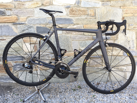 Origine Axxome RS taille M montage Ritchey et groupe Sram red E-tape,roues Mavic R-Sys.